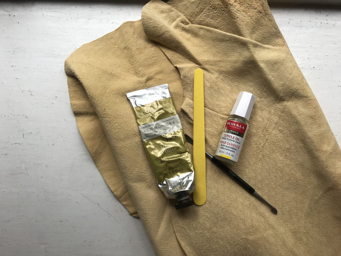 Healthy Nail Kit including file, cuticle oil and chamois leather